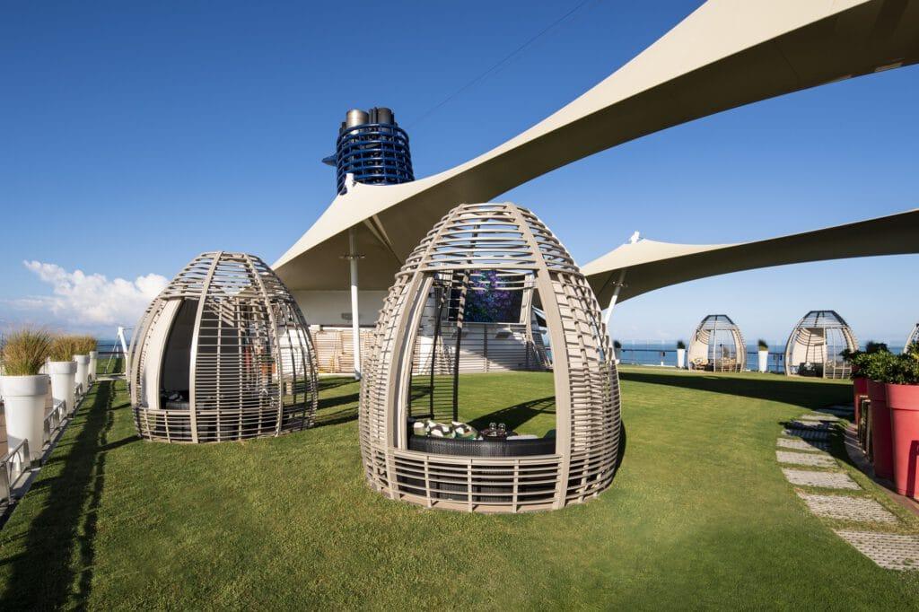 Cruiseschip-Celebrity Equinox-Celebrity Cruises-The Lawn Club