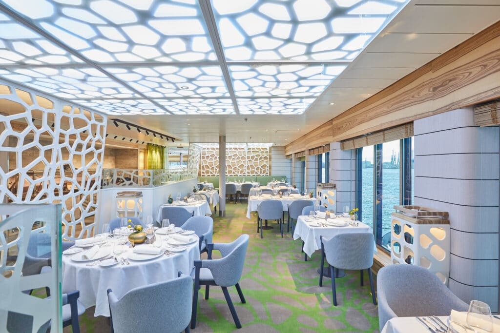 Cruiseschip-Hanseatic Nature-Hapag-Lloyd Cruises-Restaurant
