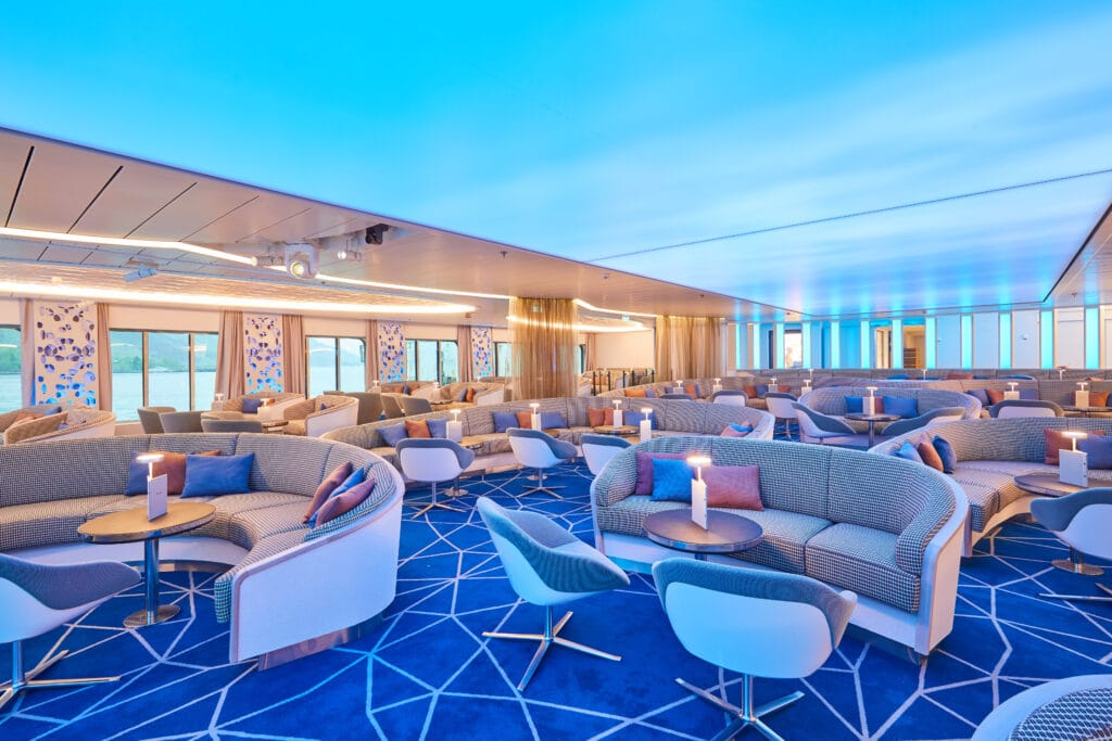 Cruiseschip-Hanseatic Nature-Hapag-Lloyd Cruises-Atrium