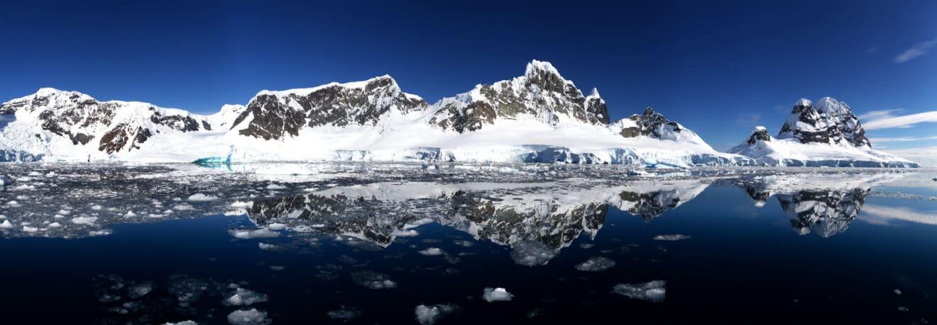 HiddenBay-Antarctique-Ijs-ijsschotsen-Expeditie-Artic