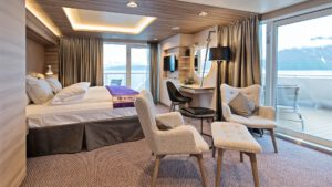 Cruiseschip-Hurtigruten-MS Fridtjof Nansen-schip-Corner Suite-Categorie MC
