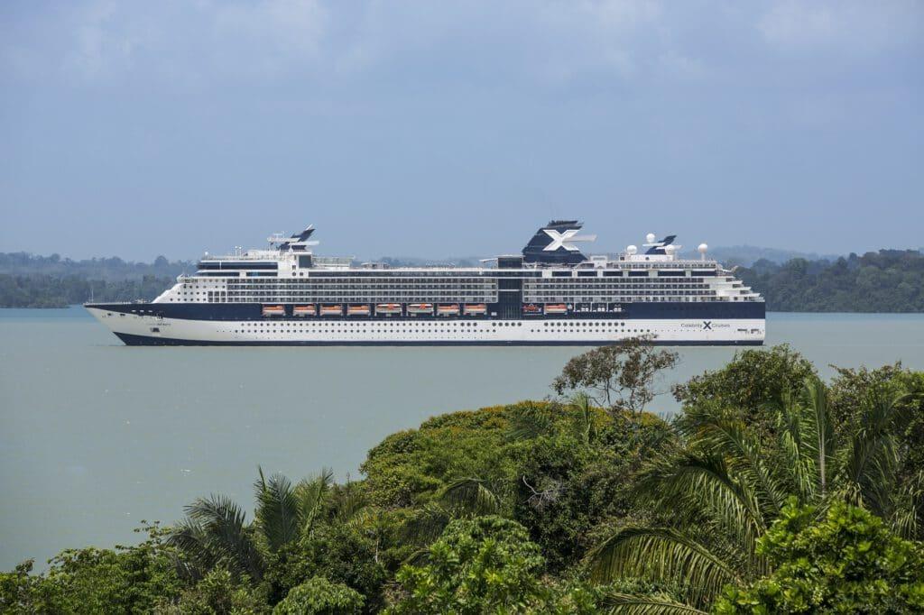 Cruiseschip-Celebrity Infinity-Celebrity Cruises-Schip