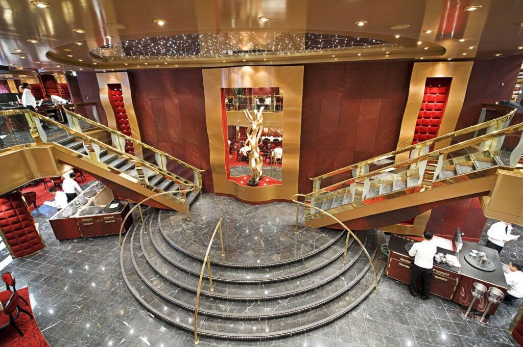 Cruiseschip-MSC Fantasia-MSC Cruises-Restaurant Red Velvet