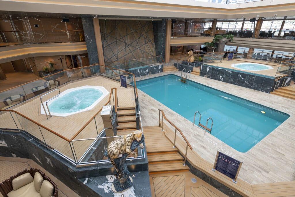 Cruiseschip-MSC Grandiosa-MSC Cruises-Zwembad