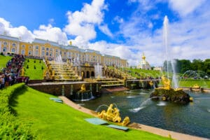 Noord-Europa-Oostzee-Rusland-Sint-Petersburg-Zomerpaleis-Fontijn-Tuin-Goud