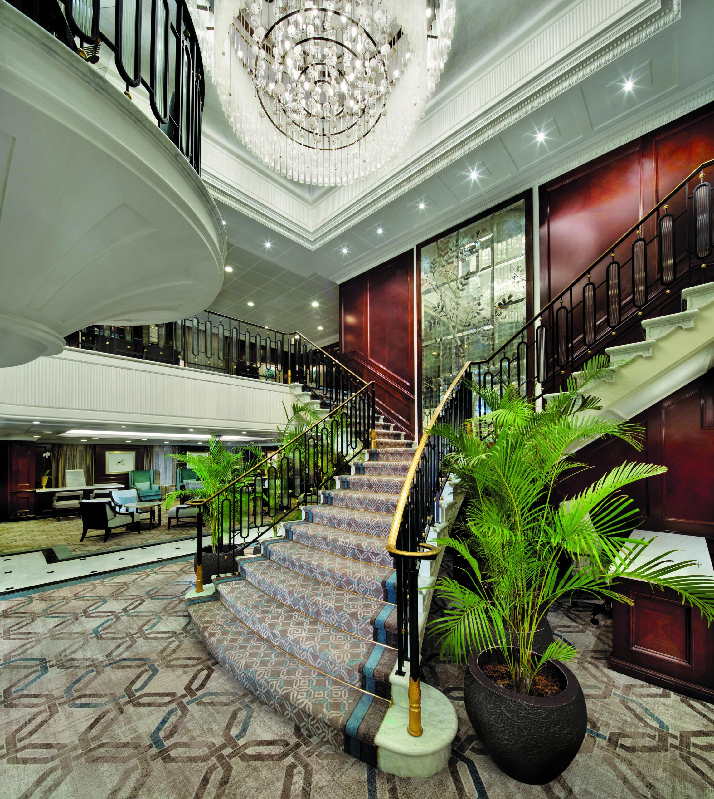 Oceania Cruises Insignia Grand Staircaise Cruiseschip Cruise