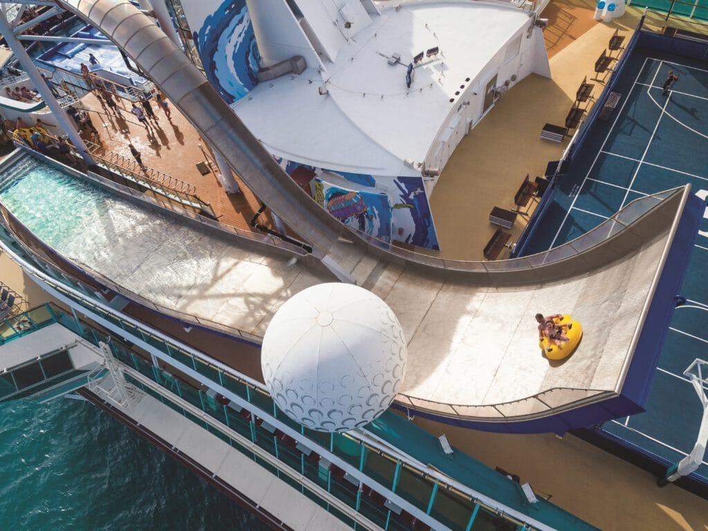 Cruiseschip-Liberty of the Seas-Royal Caribbean International-Tidal Wave