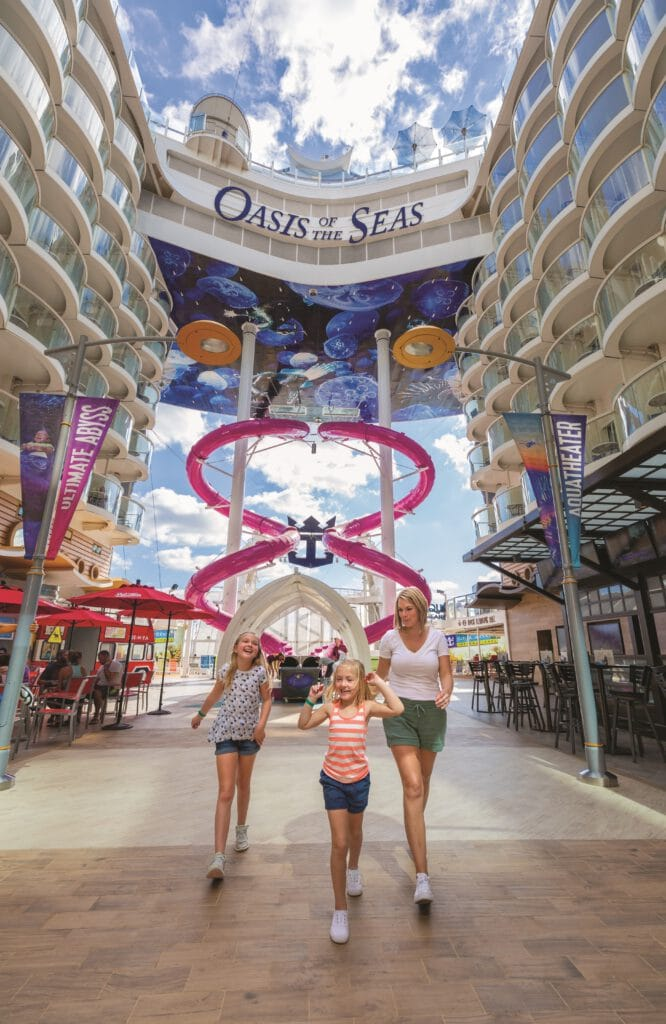 Cruiseschip-Oasis of the Seas-Royal Caribbean International-Boardwalk