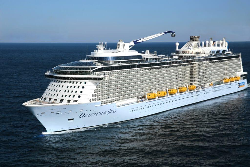 Cruiseschip-Odyssey of the Seas-Ovation of the Seas-Quantum of the Seas-Spectrum of the Seas-Royal Caribbean International-Schip
