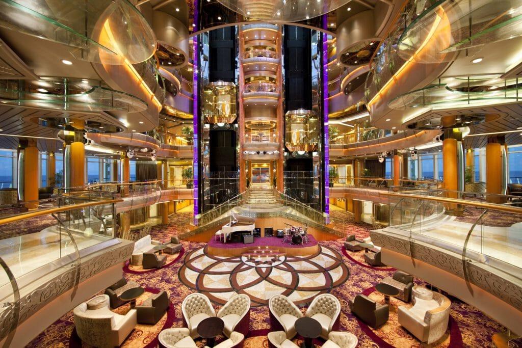 Cruiseschip-Rhapsody of the Seas-Royal Caribbean International-Atrium