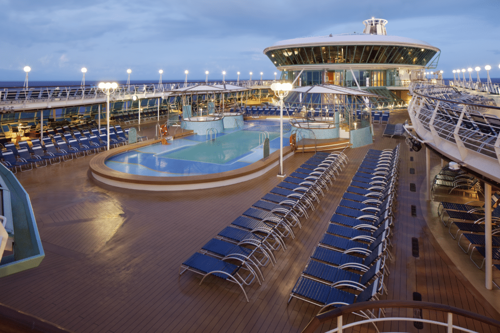 Cruiseschip-Rhapsody of the Seas-Royal Caribbean International-Zwembad Deck