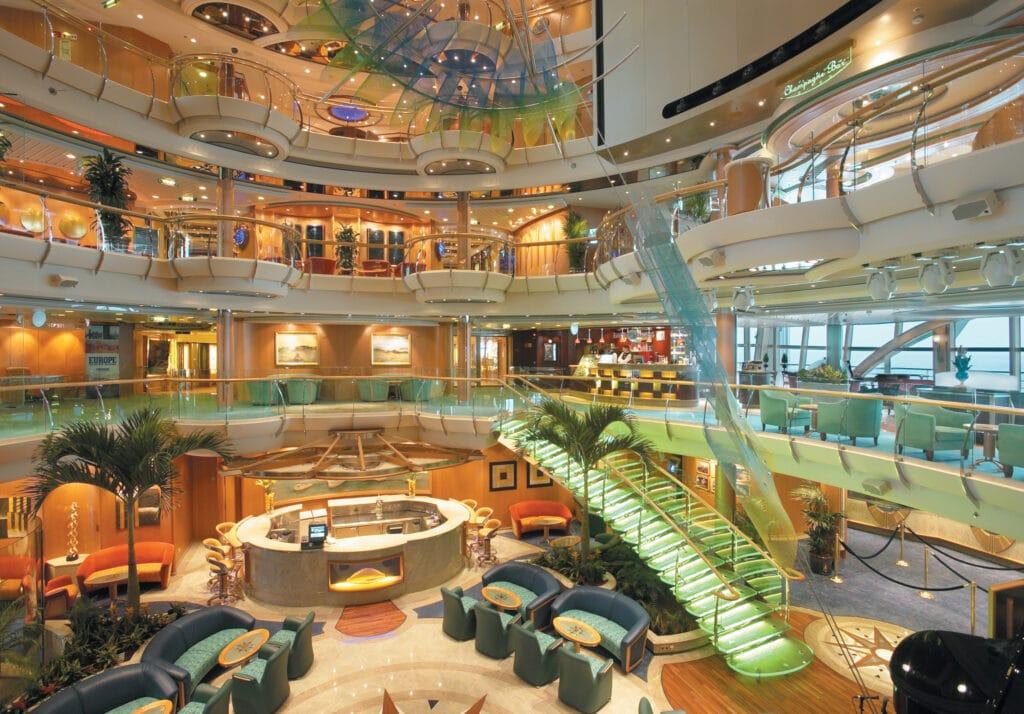 Cruiseschip-Radiance of the Seas-Royal Caribbean International-Atrium