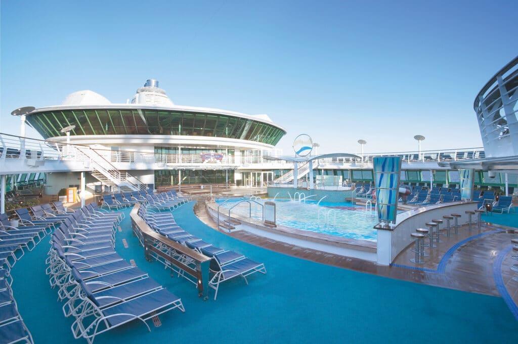 Cruiseschip-Radiance of the Seas-Royal Caribbean International-Zwembad