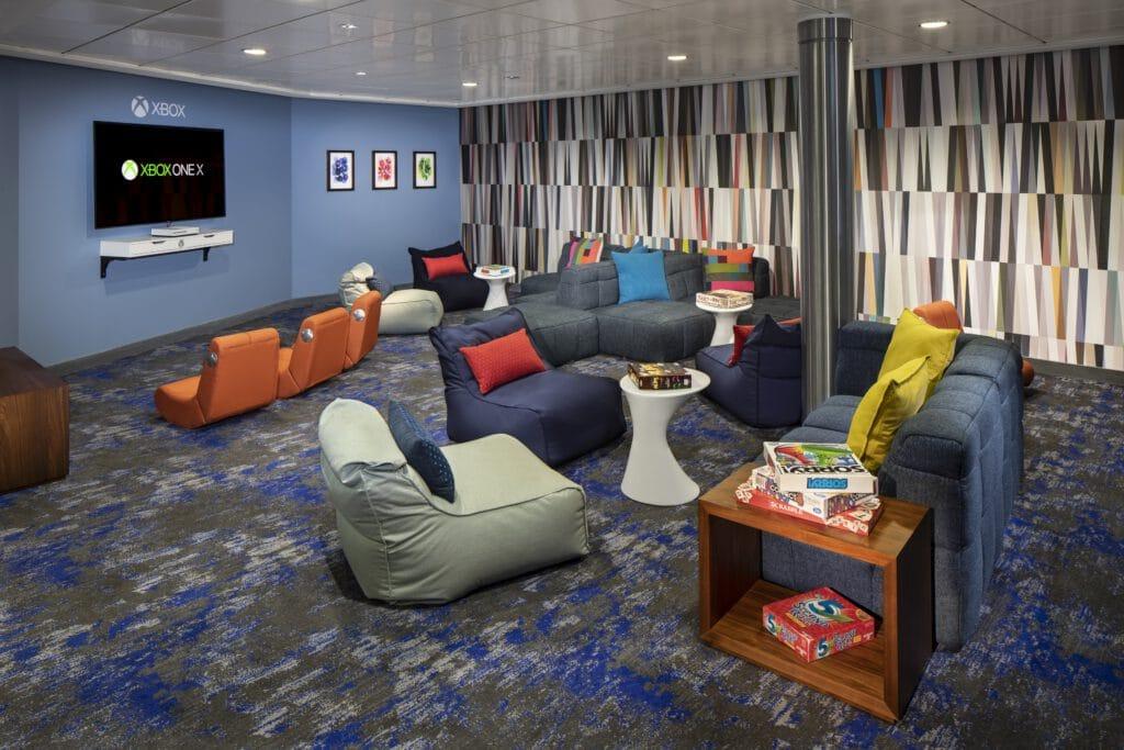 Cruiseschip-Celebrity Silhouette-Celebrity Cruises-Tiener Lounge