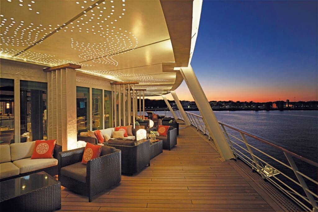 Cruiseschip-Seven Seas Voyager-Regent Seven Seas Cruises-Lounge Deck