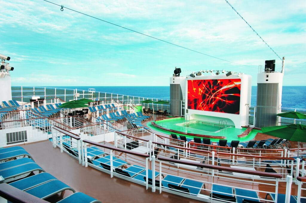 Cruiseschip-Norwegian Epic-Norwegian Cruise Line-Deck