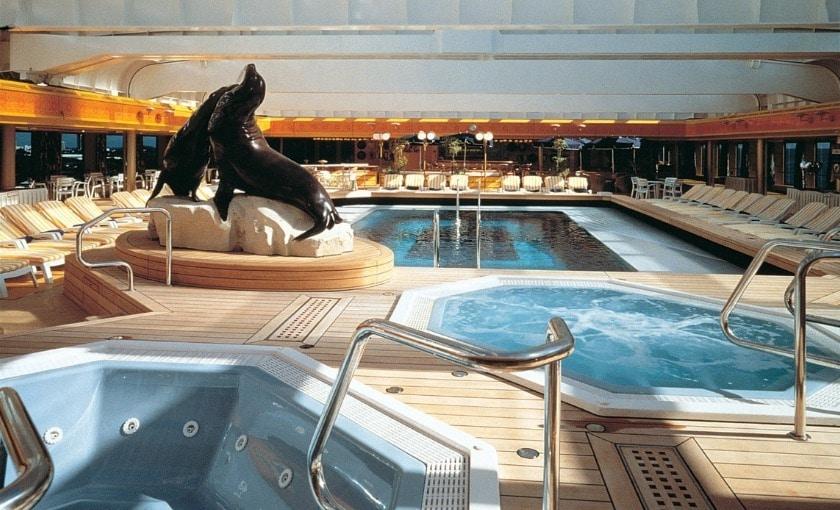Cruiseschip-Rotterdam-Holland America Line-Zwembad