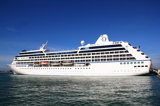 Oceania-Cruise-Nautica-Insignia-Regatta-exterior