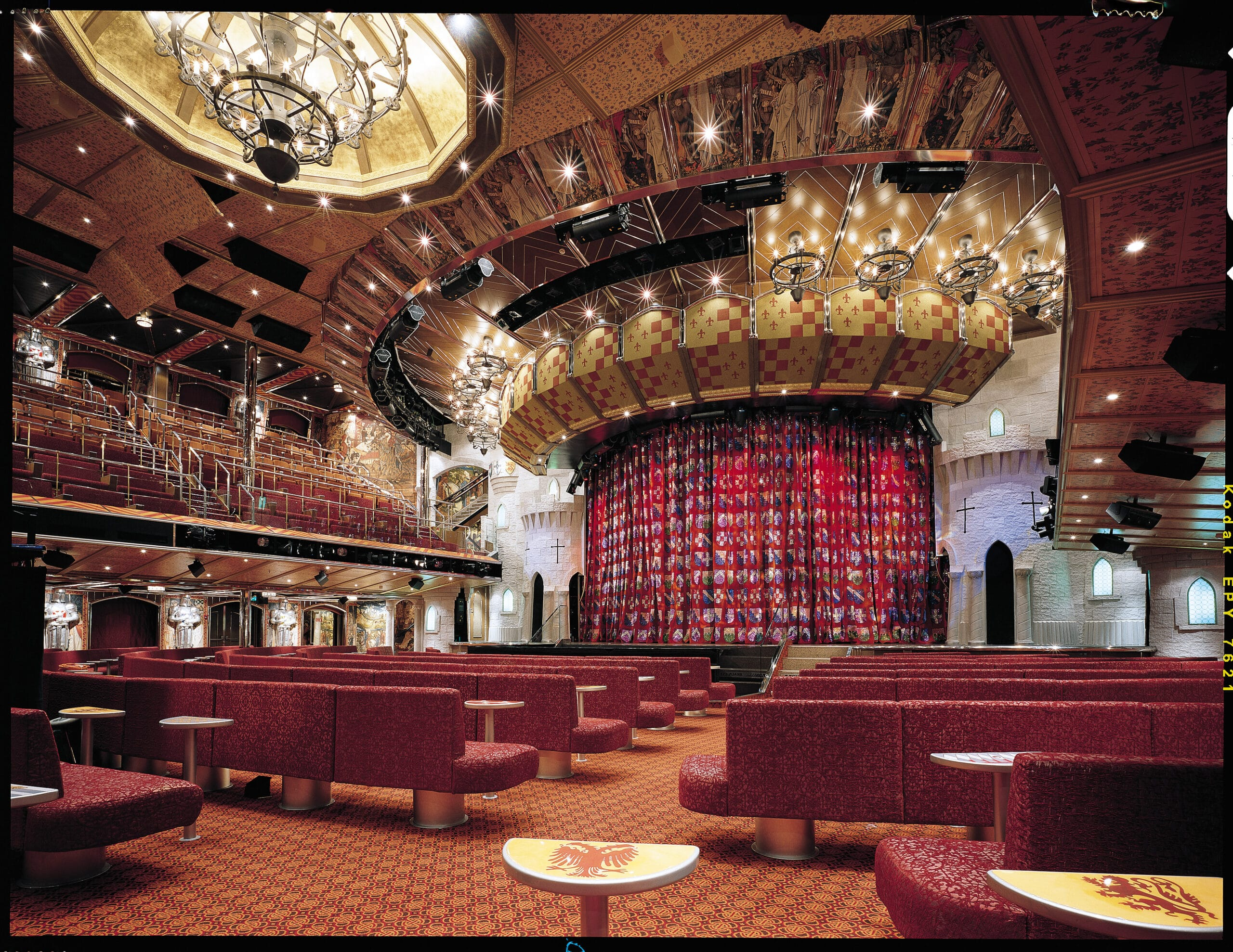 Cruiseschip-Carnival Valor-Carnival-Theater