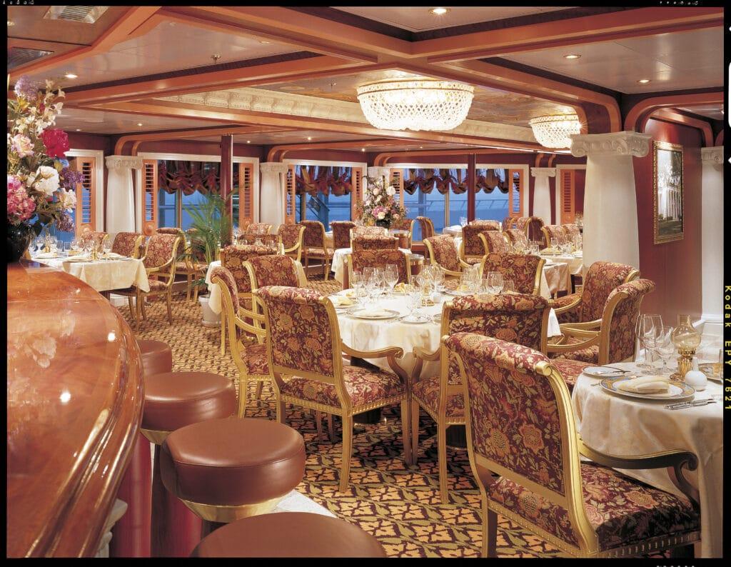 Cruiseschip-Carnival Valor-Carnival-Restaurant