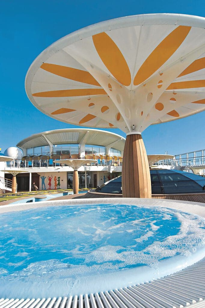 Cruiseschip-AIDAluna-AIDA Cruises-Zwembad