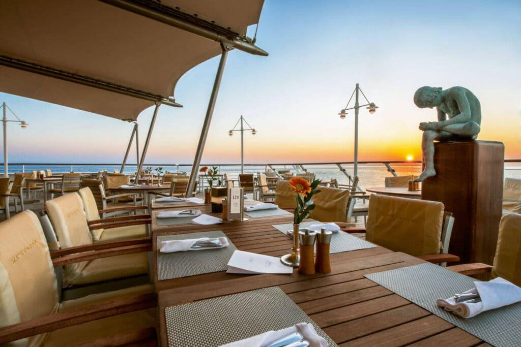 Cruiseschip-MS Europa-Hapag Lloyd-Lido Deck
