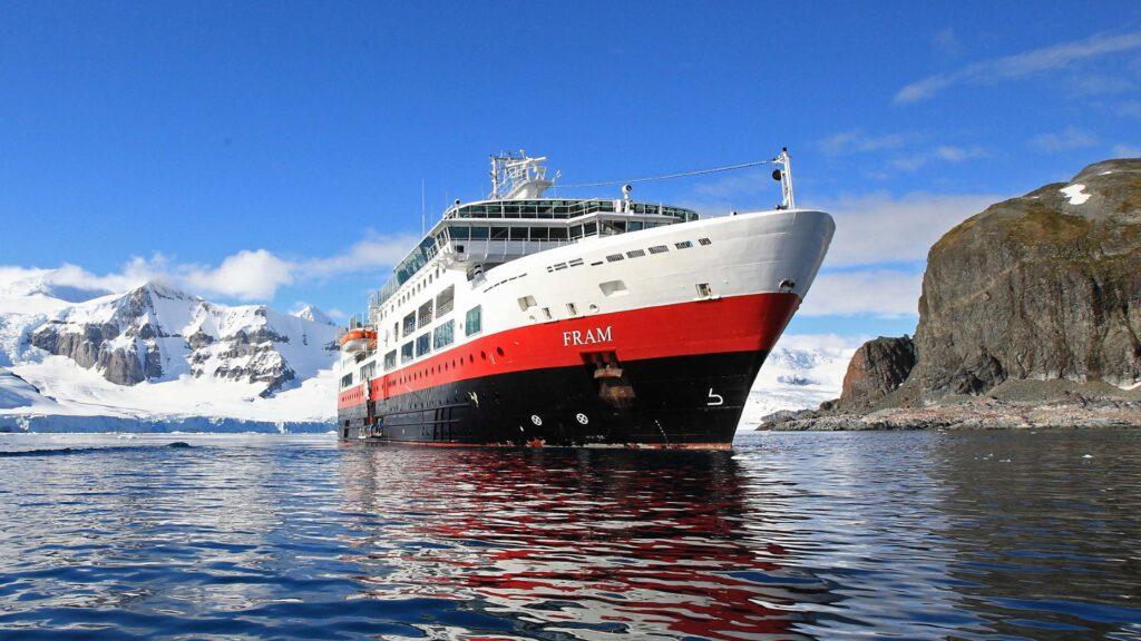 Cruiseschip-Hurtigruten-MS Fram-Schip-Schip