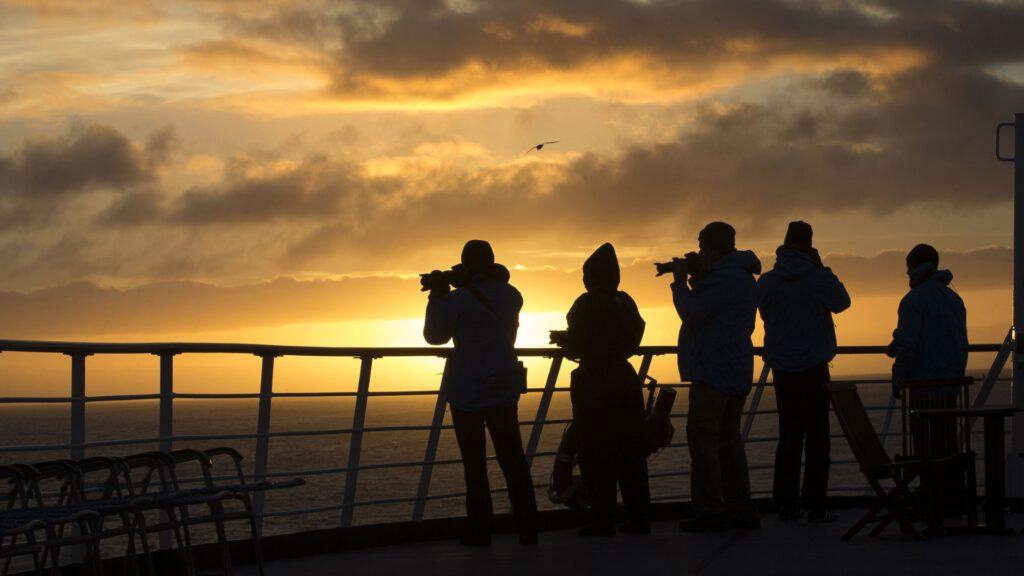 Cruiseschip-Hurtigruten-MS Fram-Schip-Schip Sfeer1