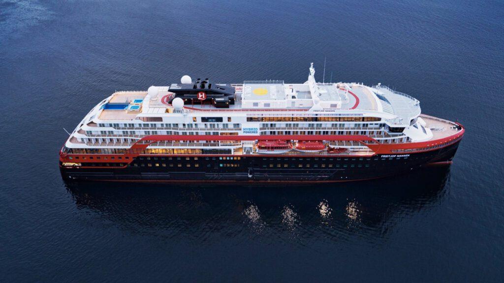 Cruiseschip-Hurtigruten-MS Fridtjof Nansen-schip-Schip