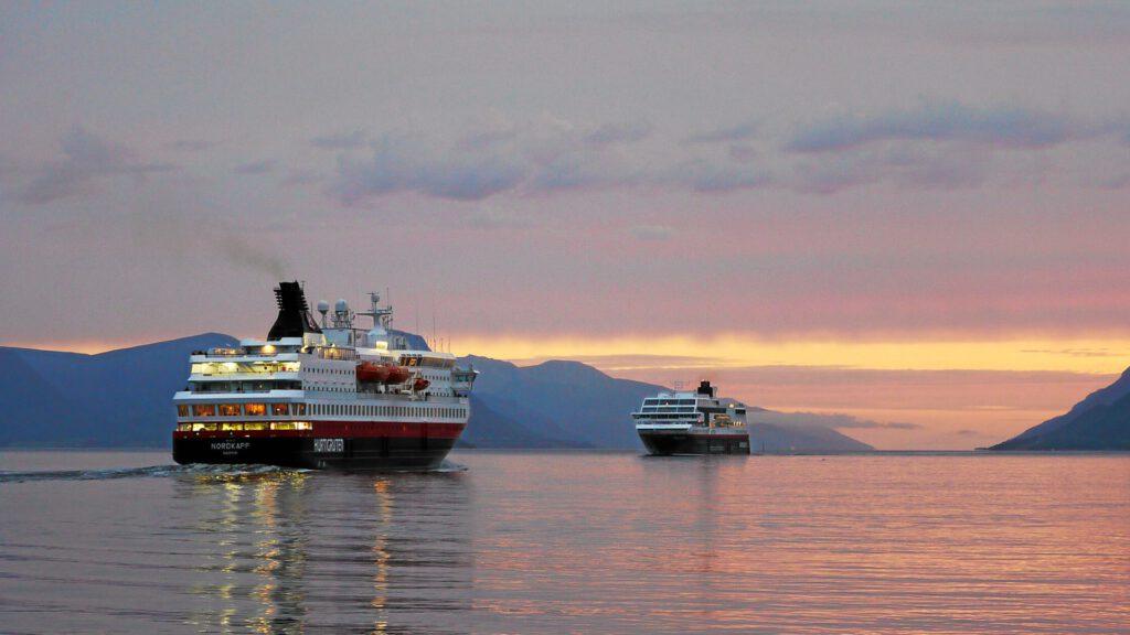 Cruiseschip-Hurtigruten-MS Nordkapp-schip-schip3