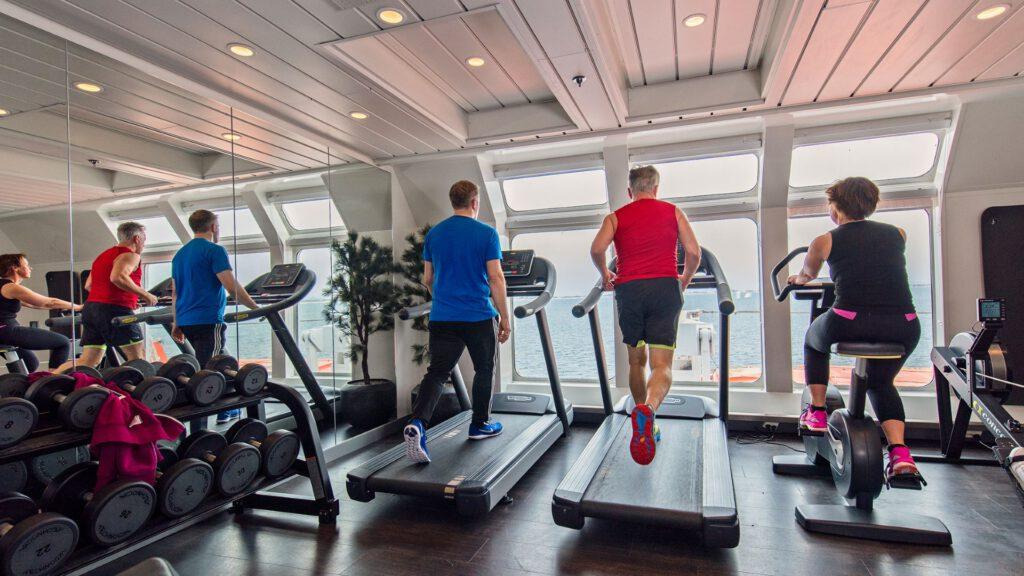 Cruiseschip-Hurtigruten-MS Nordnorge-schip-Fitness