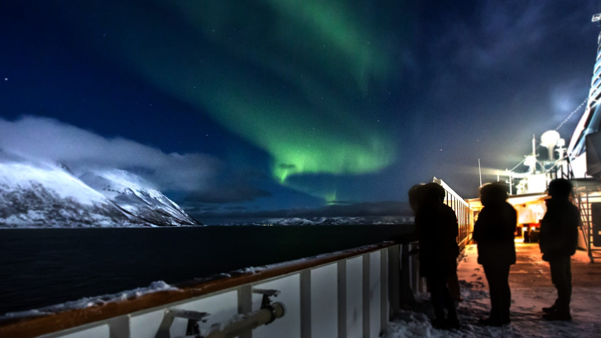 Cruiseschip-Hurtigruten-MS Nordnorge-schip-Sfeer