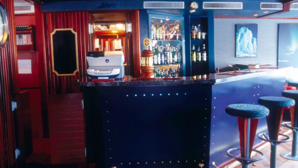 Cruiseschip-Hurtigruten-MS Nordstjernen-schip-Bar