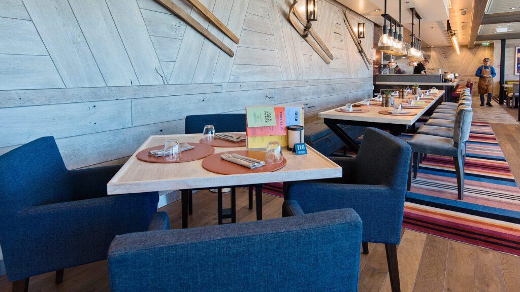 Cruiseschip-Hurtigruten-MS Roald Amundsen-schip-Fredheim Restaurant