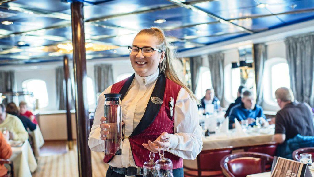 Cruiseschip-Hurtigruten-MS Vesteralen-Schip-Diner Sfeer