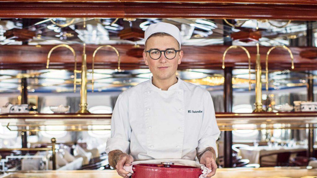 Cruiseschip-Hurtigruten-MS Vesteralen-Schip-Lunch Sfeer