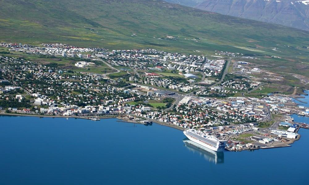 akureyri-ijsland-cruise-cruiseschip-haven