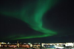 the-northern-lights-2157627_1920
