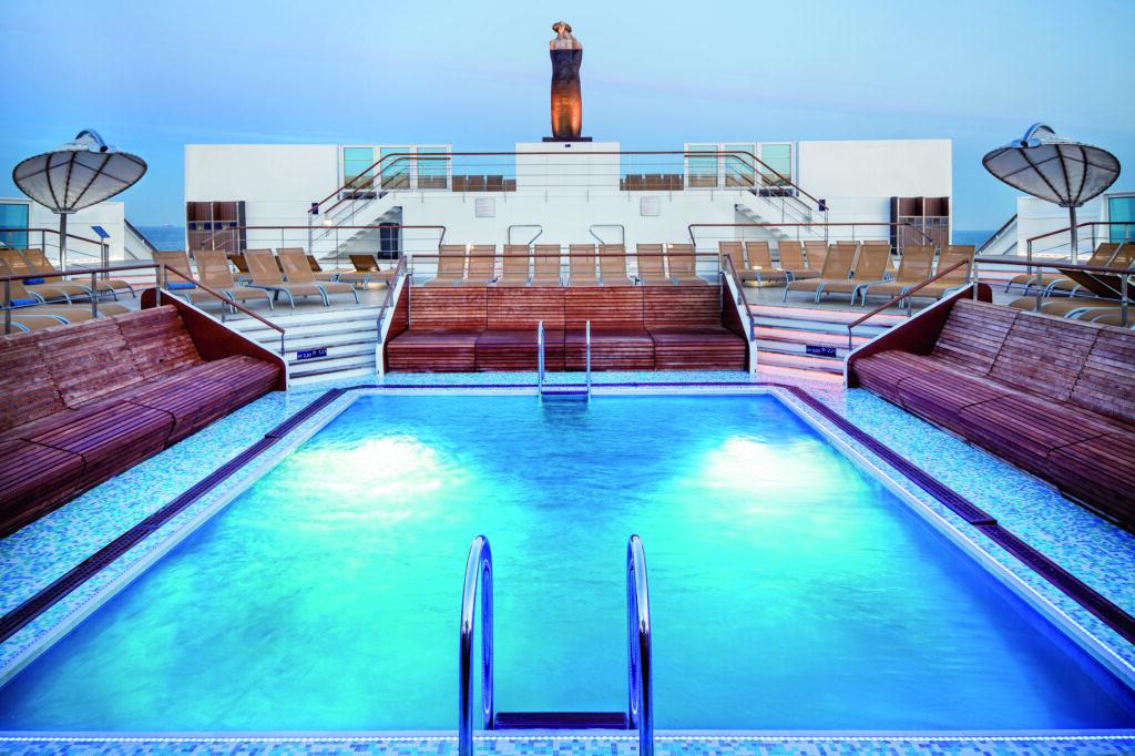 Celestyal-Experience-zwembad