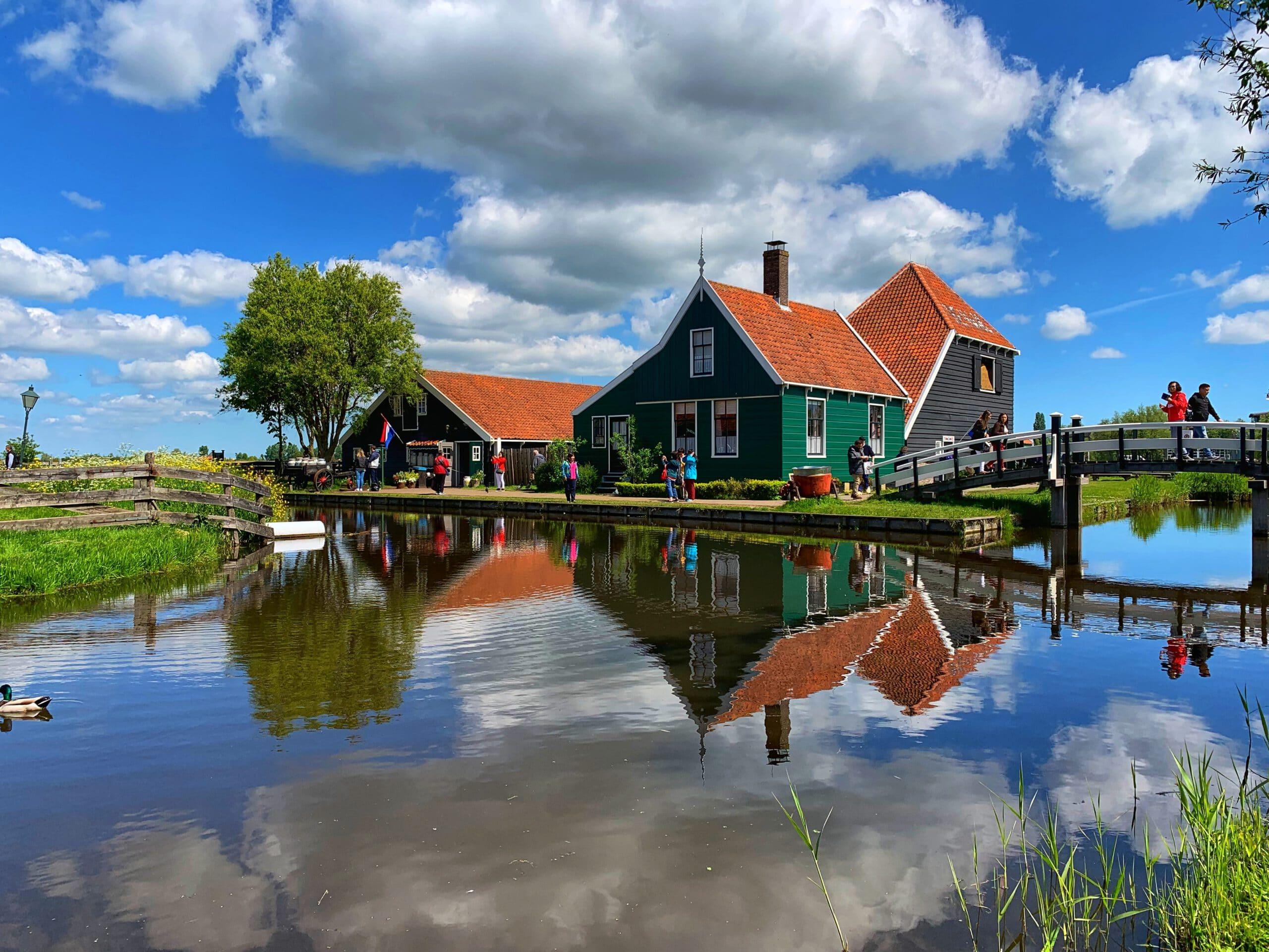 Nederland-Amsterdam-Cruise-Haven-Zaanse-Schans