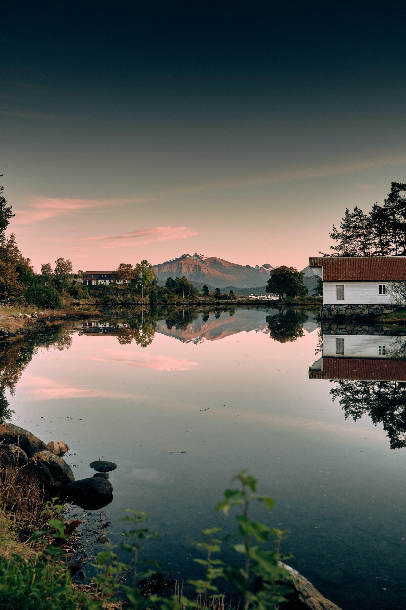 Noorwegen-Alesund-cruise-haven-natuur-meer