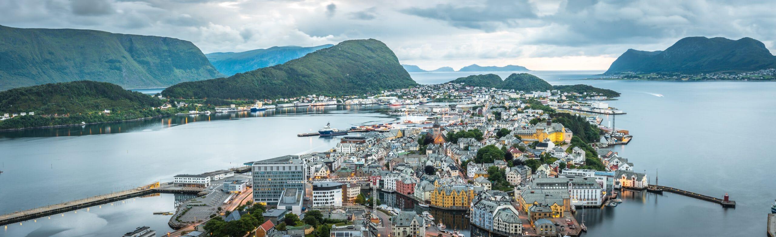 Noorwegen-Alesund-cruise-haven