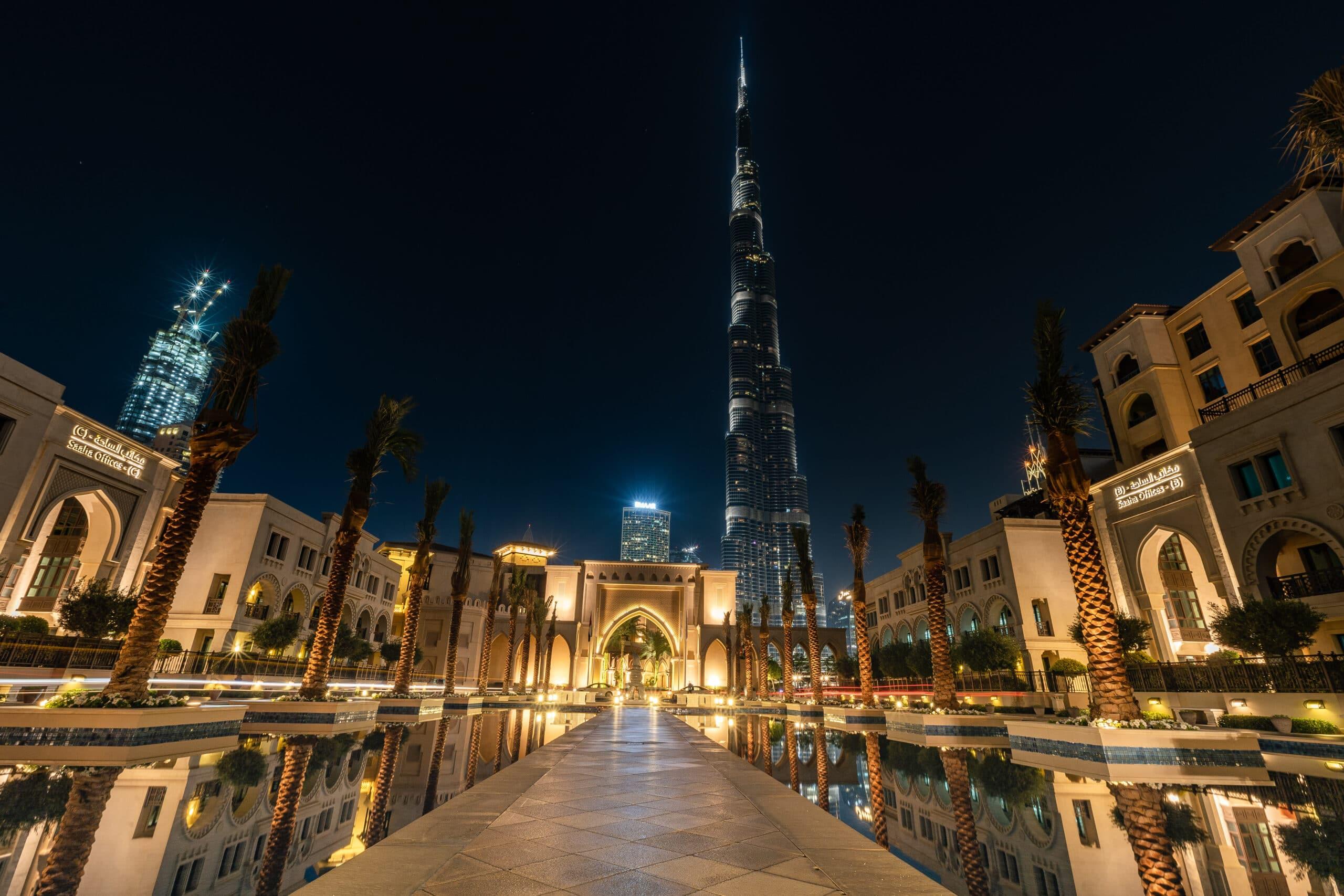 Verenigde-Arabische-Emiraten-cruise-haven-Dubai-by night
