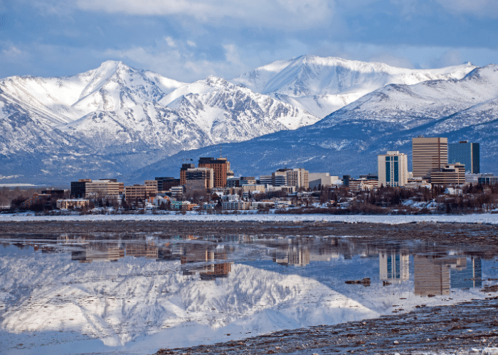 Alaska-Anchorage-cruise-haven-uitzicht-stad