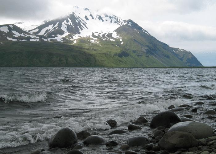 Alaska-cruise-haven-Adak-Island-uitzicht