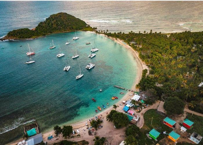Grenadinen-eiland-mayreau-cruise-haven.jpg