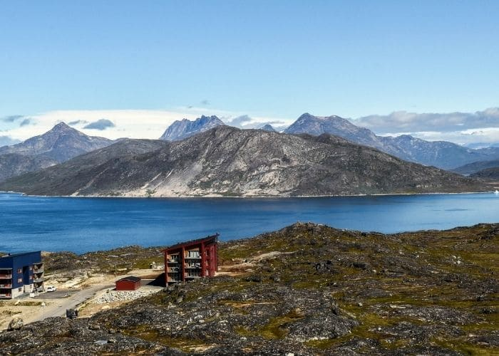 Groenland-qaqortoq-bergen-zee