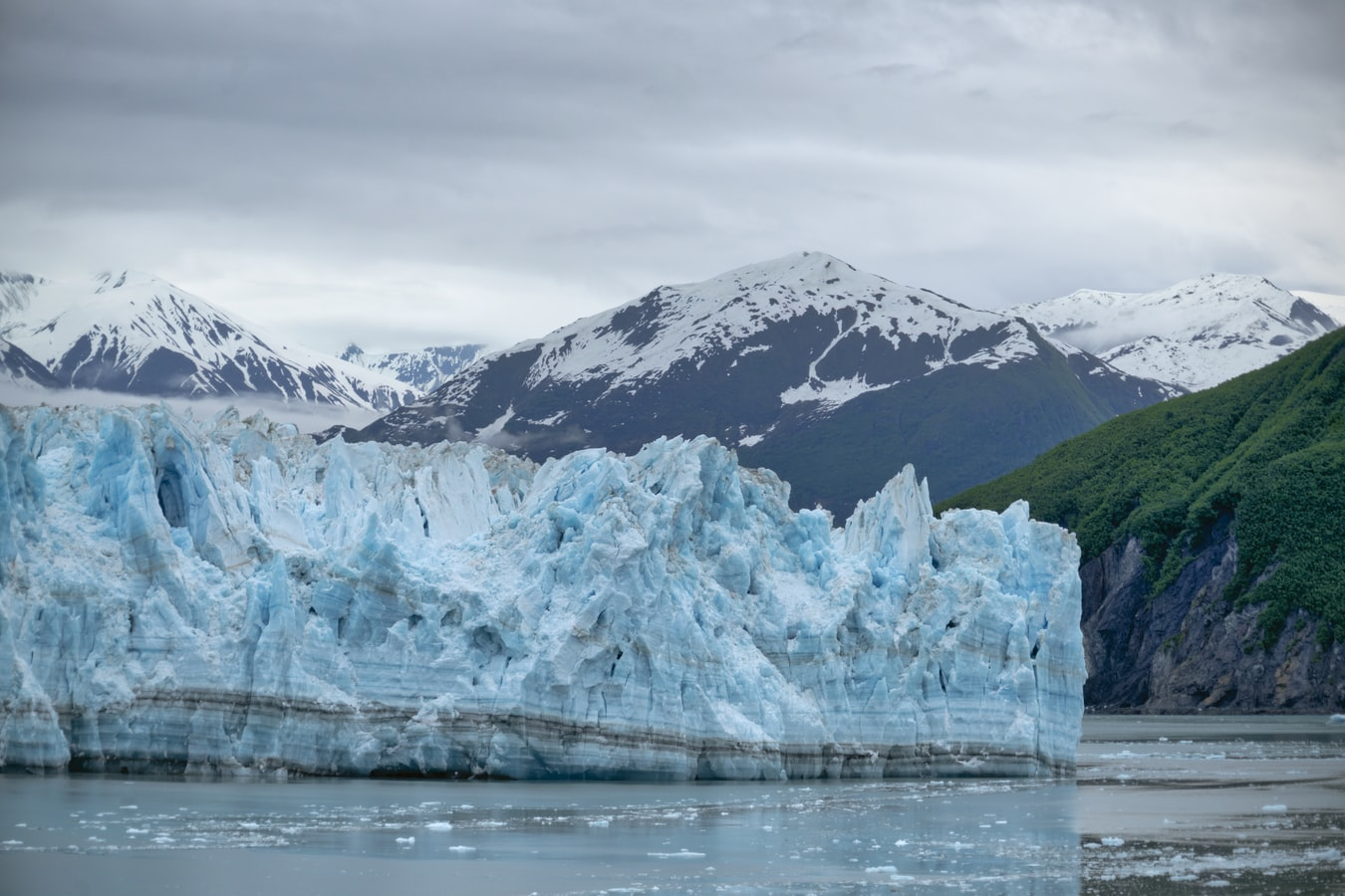 Verenigde-staten-alaska-hubbard-glacier-gletsjer-bergen-zee