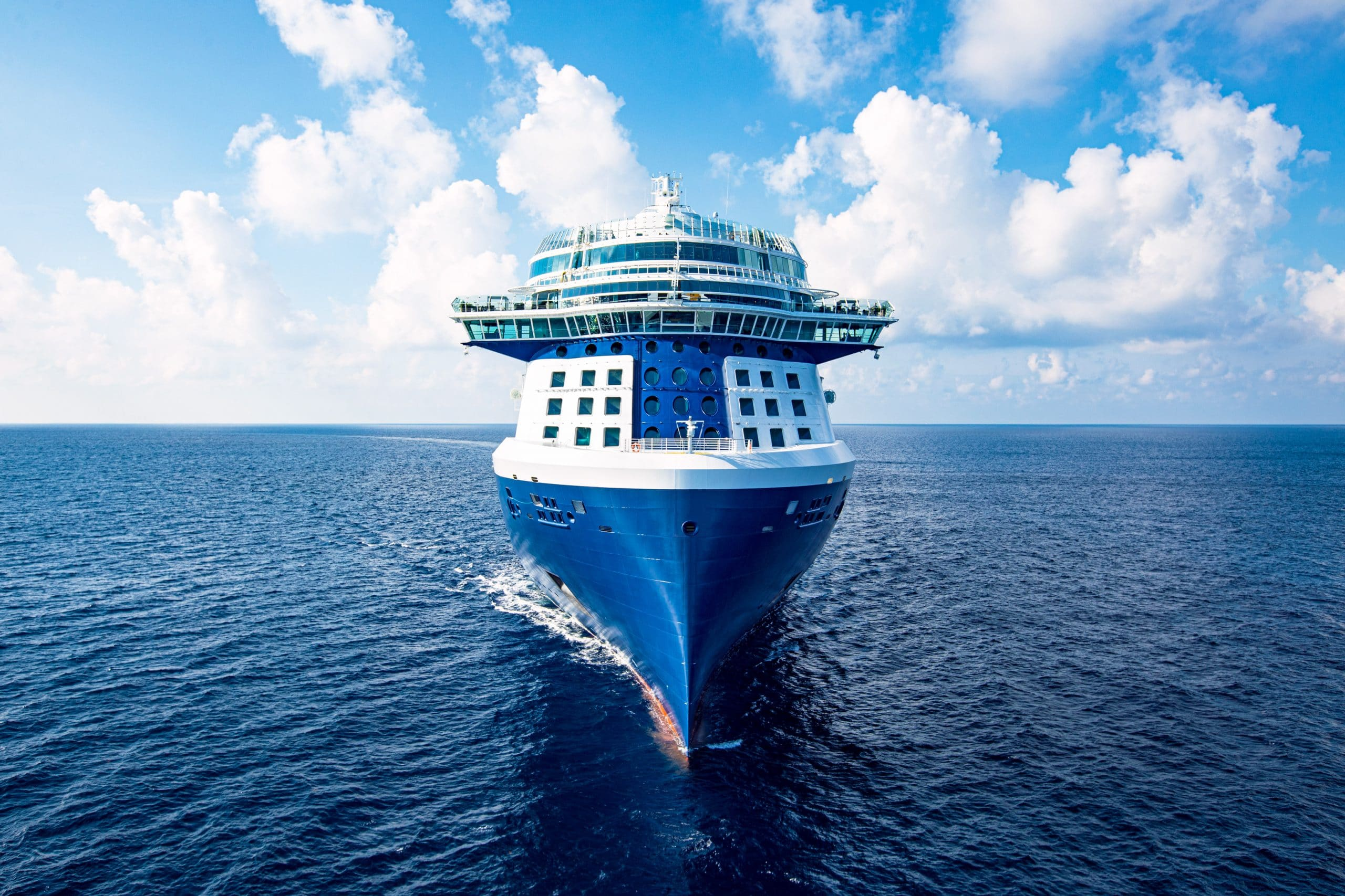 Celebrity Cruises-Celebrity Edge-Vooraanzicht-Schip